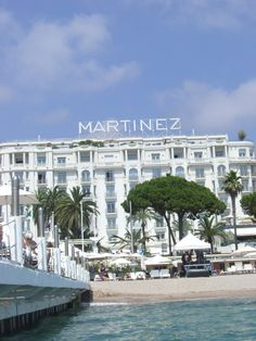 Hotel Grand Martinez : Cannes, France (Dec. 2013)