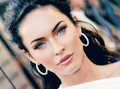 Megan Fox DIY Makeup Video
