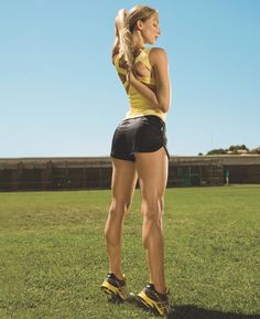 Want a Tight Butt That Defies Gravity? Firm your butt and legs as you torch calories with this dynamic routine—inspired by some of the fittest women around Legs Workout, Fit, Glutes Workout, Defying Gravity, Health Magazine, Women Health, Butt Workouts, Lower Body Workout, Tights Butt