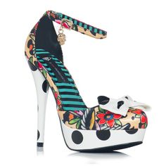 waiting for my new shoes!! <3 it