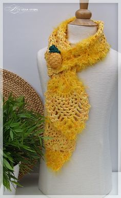 Pineapple scarf - free pdf download!  This site has many great crochet and knit patterns and they are free! Thank you!