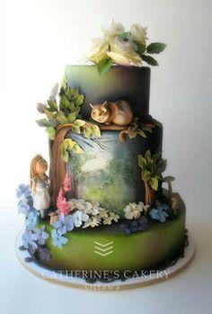 Alice in wonderland cake , just wow an artwork