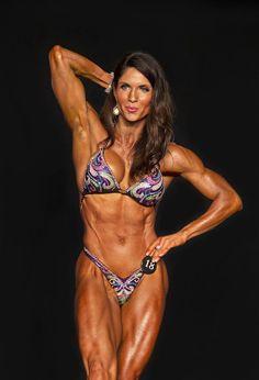 Vicki Diaz - 2014 NPC Universe Championships