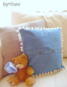 Duni's Studio: How to upcycle a denim shirt into a pillow - Tutorial
