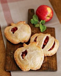 Apple Cranberry Pocket Pies; nice touch using cookie cutters to look like real fruit. Cute! pocket, mini apple pies, food, pink ladies, mini pies, apples, cookie cutters, hand pies, snow white
