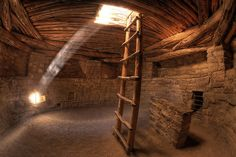 Mesa Verde National Park | Indian Kiva | Spruce Tree House