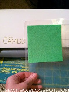 Settings for using felt on the Cameo.  Sew on to Heat 'n bond, Cutting blade to #10 and run it 2 times.
