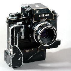 Nikon F + Nikkor-H 50mm 1:2 + F36 motor AA battery pack
