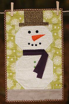 Snowman Wall Hanging Quilt & Hanger set