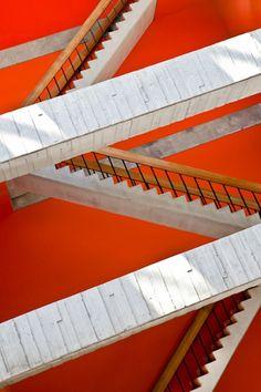 Wilson Hall, Chicago. Photo courtesy of Yorgos Efthymiadis  via New England Home Design Blog