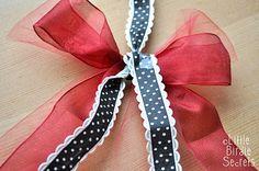 {last minute christmas decorations} 3D paper star wreath tutorial   Little Birdie Secrets