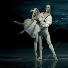 "Leonid Sarafanov and Irina Perren in ""Swan Lake."" Photo (c) Nikolay Krusser."