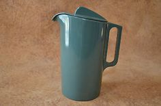 Watertown Lifetime Ware  Melmac Water Pitcher with Lid circa 1946