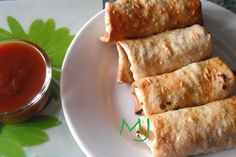 Rollitos primavera y salsa agridulce Ver receta: http://www.mis-recetas.org/recetas/show/12970-rollitos-primavera-y-salsa-agridulce #china