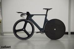Rafael Ueberbike time trial bike with front & rear monostays