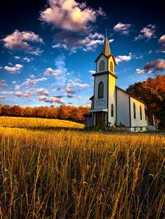 The old country church, nothing more beautiful.