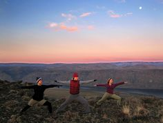 mayurasana:    Sun Salute At The Gorge, WA by Amanda Castleman on Flickr.