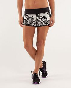 fit fashion, lululemon, runspe short, workout gear, workout clothesoutfit, fit cloth, fit apparel, cloth whore, running shorts
