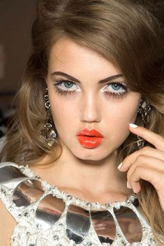 Lush Lashes at Moschino - Best Spring 2013 Fashion Week Makeup Looks
