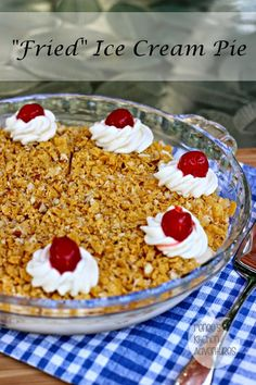 """Fried"" Ice Cream Pie #IceCreamWeek Easy restaurant food at home! #icecream #dessert"