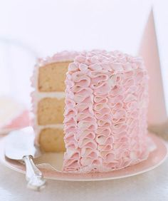 pretty pink ruffle cake