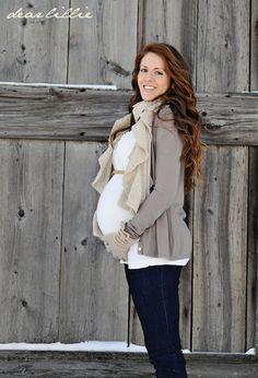 Dear Lillie: Jamie and Josh's Maternity Photo Shoot #maternity #winter #maternityphoto