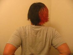I used to have my hair half red, half black... And I miss it :(