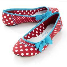 Polka dots! AND aqua and red ♥