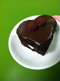 sweetheart cake, raspberri cream