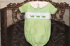 Smocked grasshoppers bubble