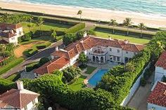One the many mansions along Highway  1 on the coast of Palm Beach.