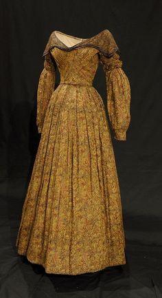 Printed Muslin Dress | c. 1837 (fabric: 1790-1818) | Bowes Museum