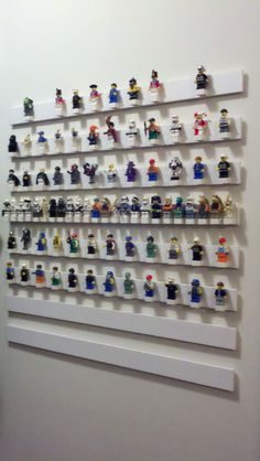 mini lego people display | Lego mini figure display. Super glue basic 4 x 4 bricks to lattice ...