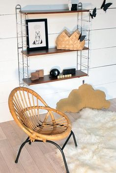 French Vintage for Kids' Rooms: Vintage Tomado-Style Shelf