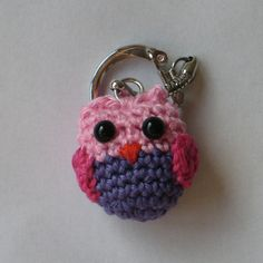 "Free pattern for this cute ""Owl Keychain""!"