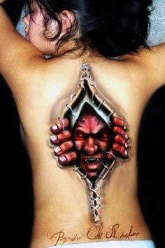 3D Tattoos: 3D tattoos require immense skill and perception and if done skilfully, they look amazing.