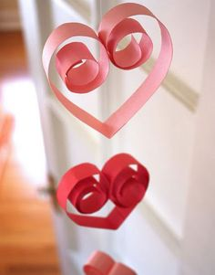 paper garlands, paper hearts, decorating ideas, papers, decorations, paper scraps, craft party, crafts, parti