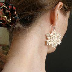 crochet Vanilla Snowflake Earrings pattern