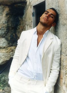 White shirt, cream suit      I don't know your name, but damn   you are pretty!!