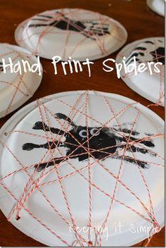 Keeping it Simple: Hand Print Spiders #pickyourplum #bakerstwine