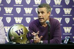 Chris Petersen showed off fake new uniforms to Washington's players for April Fool's (Video)