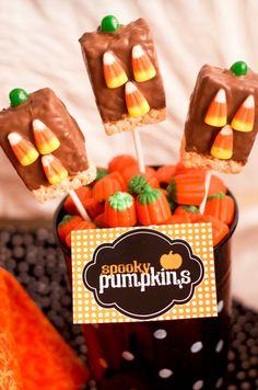 """""""Spooky Pumpkins"""" for Halloween, from @lovethedaydsign"""