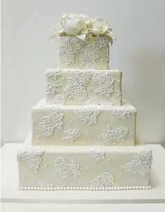 Lace wedding cake/The Fashion Chef