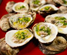 For an appetizer that is both elegant and simple, this raw oysters recipe is a winner.  http://stalkerville.net/ #paleo