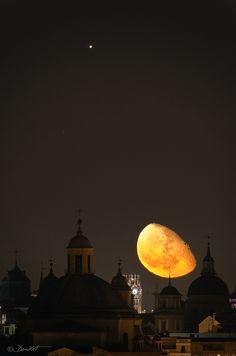 Jupiter & Moon Over Madrid ~ Photo by...Damikxt.