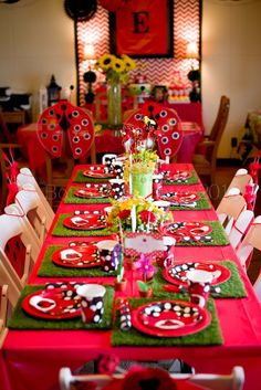 Lady Bug Garden Party: The party table