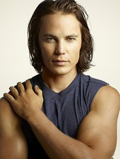 We just had to show you Taylor Kitsch in the days of Tim Riggins :)