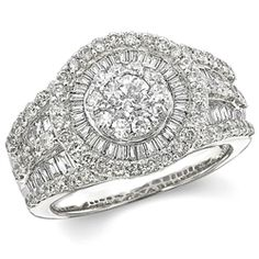 Round Cluster with Bagguette Diamond Ring
