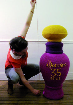 Giant crocheted perfume bottle commissioned by Firmenich for the 35th birthday of the Brasilian brand O Boticaro...Very cool!