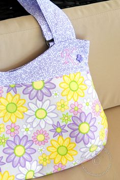 Curvy bag - Free sewing pattern